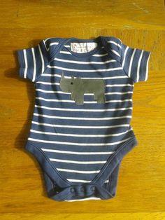 Applique babygrow - Rhino £10.00