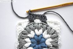 Triple Puff Granny Square | Free pattern + Tutorial by Emmy + LIEN