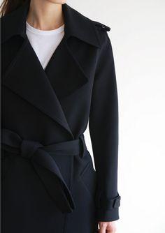Classic black coat | @stylebyingrid