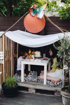 Wooden pallet playhouse | A Subtle Revelry