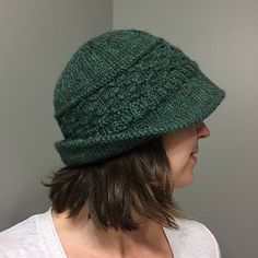 Ravelry: catherinebrawner's Green Brimming by Lori Puthoff -- pattern free on Ravelry! Loom Knitting, Knitting Stitches, Knitting Patterns Free, Free Knitting, Crochet Patterns, Hat Patterns, Knit Mittens, Knitted Hats, Knit Or Crochet
