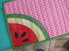 Cut, Stitch + Piece Quilt Designs: Celebrate with me! Mug Rug Patterns, Patchwork Patterns, Crazy Patchwork, Sewing Patterns Free, Quilt Patterns, Quilting Blogs, Quilting Designs, Small Quilts, Mini Quilts
