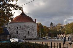 Viipurin pyöreä torni seisoo edelleen vielä noin 500 vuoden jälkeen paikoillaan. Kuva: Outi Grusander