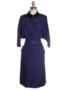 Vintage Womens Blue Silk Day Suit with Great Sleeves 1940s Sz 6 Tailored Junior