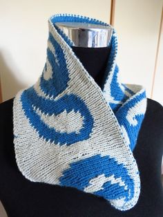 Kirkwood Reversible Twist Cowl. New release promo $1.50 until 20th June 2014. Also available from Ravelry and Craftsy.