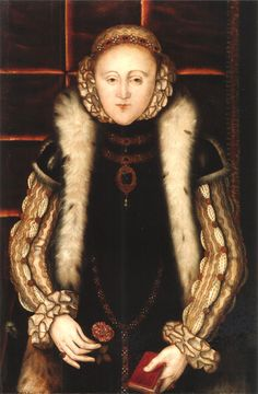 Queen Elizabeth I Unknown artist English School. In this portrait, she holds a book in her left hand and a flower in her right hand. The brooch resembles her sister's, but it is not the same one. Elizabeth I, Lady Jane Grey, Jane Gray, Tudor History, British History, Adele, Tudor Monarchs, Elizabethan Era, Elizabethan Costume