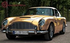 The Aston Martin is one of the most elegant grand tourer supercars available. Available in a couple or convertible The Aston Martin has it all. Aston Martin Db5, Old Classic Cars, Classic Sports Cars, New Sports Cars, Sport Cars, Retro Cars, Vintage Cars, Bond Cars, Luxury Sports Cars