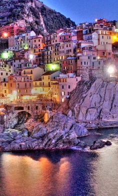 Manarola, Cinque Terre, Italy (by °°Giacomo°° on Flickr)