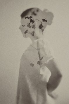 double exposure // black and white photography Double Exposition, Creative Photography, Fine Art Photography, Portrait Photography, Photography Flowers, Photography Ideas, Photo D Art, Foto Art, Photomontage