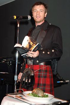 Ewan McGregor on Burns Night, giving the toast to the haggis. I love it!