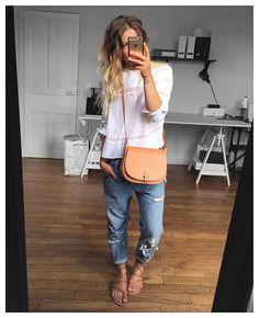 Et en entière✔ blouse #isabelmarant (nouvelle Co) sac #celinelefebure et sandales #kjacques sur @lagrandeboutiquelgb…