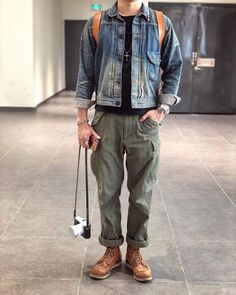 Vintge&Denim — 最近的气温实在太完美 #visvim #RRL #loyalstricklin... Outdoor Outfit, Wedding Attire, Fashion Details, Preppy, Spring Fashion, Bomber Jacket, Menswear, Style Inspiration, Mens Fashion
