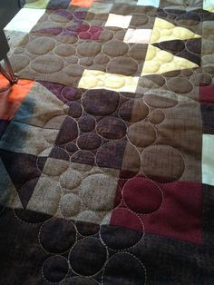 29 Ideas For Simple Free Motion Quilting Designs Colour Longarm Quilting, Free Motion Quilting, Machine Quilting, Quilting Projects, Quilting Ideas, Machine Embroidery, Jelly Roll Quilt Patterns, Patchwork Quilt Patterns, Quilt Patterns Free