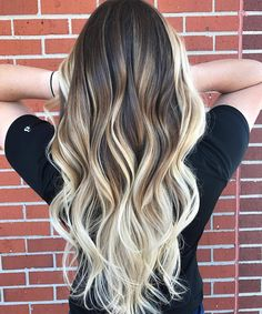 """(@balayageartists) on Instagram: """"H I G H ✨ C O N T R A S T How awesome is this balayage by @rochellegoldenhairstylist? ❤❤❤ ⠀…"""""""
