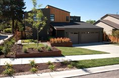 Front Yard Landscaping Ideas To Add Instant Curb Appeal - http://freshome.com/front-yard-landscaping-ideas/