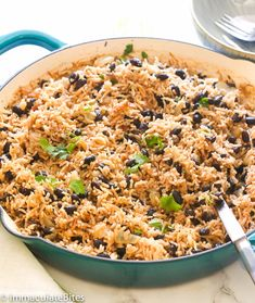 Black Beans and Rice - one of the best side dishes ever that's easy to prepare yet very versatile. Can be thrown together as a side to your favorite meat Rice Recipes, Mexican Food Recipes, Dinner Recipes, Cooking Recipes, Dinner Ideas, Casserole Recipes, Amish Recipes, Kitchen Recipes, Rice