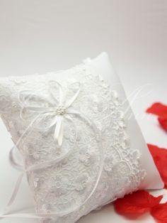 Подушечка для колец Gilliann Isabella PIL211, http://www.wedstyle.su/katalog/pillow/podushechka-dlja-kolec-gilliann-valencia-2809, http://www.wedstyle.su/katalog/pillow, ring pillow, wedding pillow