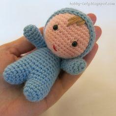 bebè amigurumi alto circa 10 cm