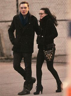 Ed Westwick, Leighton Meester..... Whoa Leighton with glasses..... I like it!!