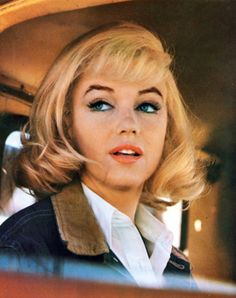 marilyn monroe in the misfits…she was a classic american beauty in this movie…one of my favorite moments for marilyn.