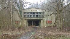 Ein altes Kino auf einem Kasernengelände