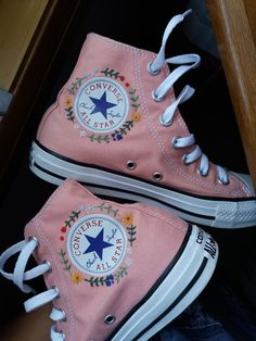 Sneakers – High Fashion For Men How To Wear Converse, Mode Converse, Outfits With Converse, Converse Shoes, Diy Converse, Converse Logo, Shoes Sneakers, Black Converse, Jean Outfits