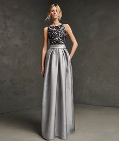 A-line Stand Robe Dress | Bonnito