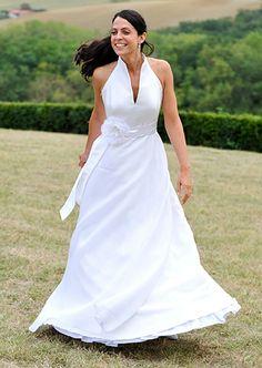 robe de mariée avec une emmanchure américaine en soie  #creationunique #mariage #tmariee #haute-couture #paris #createur #robedemarieesurmesure
