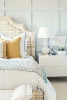 [New] The 10 Best Home Decor (with Pictures) - Spring Bedroom Inspiration! Nothing bets a bed and bedding to get you ready for the spring! Decor Interior Design, Interior Decorating, Diy Headboards, Headboard Ideas, Love Home, Wooden Diy, Home Goods, Bedroom Inspiration, Furniture