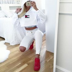Inspiring image style, tommy hilfiger, shoes, hoodie, iphone by LuciaLin - Resolution - Find the image to your taste Swag Outfits, Dope Outfits, Fall Outfits, Summer Outfits, Casual Outfits, Fashion Killa, Look Fashion, Teen Fashion, Fashion Outfits