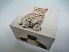 ÖtletesDoboz – Ötletes megoldások egy helyen Hobbit, Techno, Decoupage, Lego, Decorative Boxes, Cats, Animals, Home Decor, Pictures
