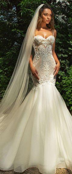 24 Beautiful Feather Wedding Dresses | Wedding Dresses | Pinterest ...