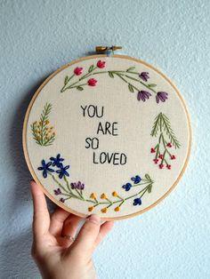 Embroidery Hoop, bloemige borduursels Mooiwatbloemendoen.nl