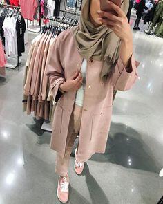 Hajib Fashion, Modest Fashion, Fashion Outfits, Islamic Fashion, Muslim Fashion, Modele Hijab, Mode Abaya, Hijab Trends, Hijab Fashion Inspiration