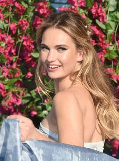 """Lily James Photos - Lily James attends the """"Mamma Mia! Here We Go Again"""" world premiere at the Eventim Apollo, Hammersmith on July 2018 in London, England. Blonde Actresses, Female Actresses, Black Actresses, Young Actresses, Mamma Mia, Beautiful Celebrities, Beautiful Actresses, Actrices Blondes, Pretty People"""