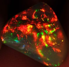 5ct Bright Natural Ethiopian Welo Magic Opal