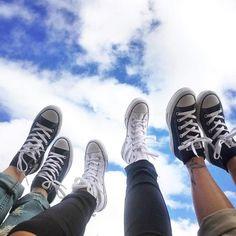converse all star high-tops Foto Best Friend, Best Friend Photos, Best Friends Shoot, Cute Friends, Cute Friend Pictures, Cool Girl Pictures, Photos Bff, Best Friends Aesthetic, Friend Poses