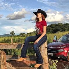 Cowgirl Style Outfits, Country Style Outfits, Rodeo Outfits, Equestrian Outfits, Cute Outfits, Estilo Cowgirl, Moda Country, Outfits For Mexico, Country Concert Outfit