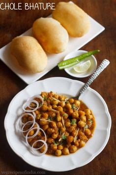 Chole Bhature Recipe with step by step photos - Chole Bhature is a popular punjabi recipe. this chole recipe has little spicy flavors which goes very well with this bhature recipe. Bean Recipes, Veggie Recipes, Vegetarian Recipes, Cooking Recipes, Healthy Recipes, Dinner Recipes, What's Cooking, Yummy Recipes, Healthy Food