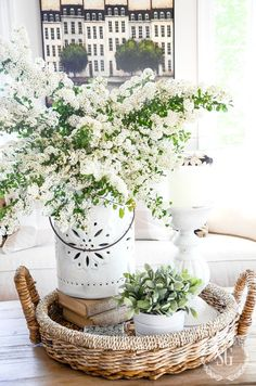 Charming Country Decor Ideas The most lovely decorating tricks to organize that remarkably striking and attractive cozy country home decorating coffee tables . Clever decor tip provided on this moment 20190307 , country decor reference 1815922056 Country Farmhouse Decor, Farmhouse Homes, French Country Decorating, Modern Farmhouse, Cottage Farmhouse, Primitive Country, Farmhouse Style, Decorating Coffee Tables, Coffee Table Vignettes