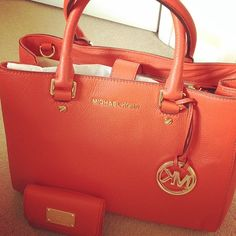 Michael Kors handbags Michael Kors Wallets Michael Kors 40.99 USD Bolsas Michael Kors, Michael Kors Bag, Michael Kors Outlet, Cheap Michael Kors, Handbags Michael Kors, Cute Work Outfits, Casual Outfits, Fashion Outfits, Burberry Handbags