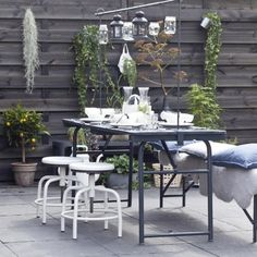 DIY - 4 tipy na víkendové tvoření Outdoor Dining, Outdoor Tables, Outdoor Spaces, Outdoor Decor, Garden Deco, Backyard Retreat, Love Your Home, Outside Living, Garden Landscape Design