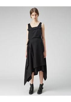 Shop Fashion on La Garconne, an online fashion retailer specializing in the elegantly understated. White Fashion, Love Fashion, Fashion Outfits, Fashion Design, Fashion Ideas, Apron Dress, Dress Skirt, Knot Dress, Wrap Dress