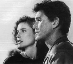 "Mimi Rogers y Tom Berenger en ""La Sombra del Testigo"", 1987"