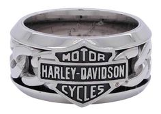 Men's Stainless Steel Chain Bar & Shield H-D Ring Constructed from high-quality Stainless Steel Features engraved Bar & Shield logo Harley Davidson Rings, Classic Harley Davidson, Davidson Bike, Shield Logo, Cool Rings For Men, Titanium Rings For Men, Motor Harley Davidson Cycles, Thing 1, Gold Chains For Men