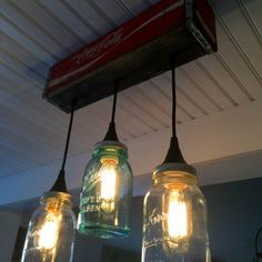 How to Make a Pendant Light Form a Coke Crate and Mason Jars - Hi everyone!  Since we recently decided to give our farmhouse kitchen a little makeover I've been…