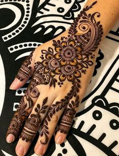 How long do Henna Tattoos Last? What is Henna Tattoo? How to Remove Henna Tattoo? Henna Hand Designs, Eid Mehndi Designs, Henna Tattoo Designs, Mehndi Designs Finger, Simple Arabic Mehndi Designs, Mehndi Designs For Girls, Mehndi Design Photos, Wedding Mehndi Designs, Mehndi Designs For Fingers