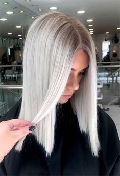 63 Cool Ash Blonde Hair Color Shades: Ash Blonde Hair Dye Kits to Try Cool Ash Blonde, Ash Blonde Hair Dye, Blonde Hair Colour Shades, Silver Blonde Hair, Blonde Hair Looks, Blonde Hair With Highlights, Icy Blonde, Ash Blonde Hair Colour Ideas, Best Blonde Hair