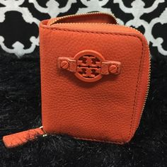 """Selling this """"LISTING Tory Burch Leather Key/Money Holder"""" in my Poshmark closet! My username is: cindyciara. #shopmycloset #poshmark #fashion #shopping #style #forsale #Tory Burch #Clutches & Wallets"""