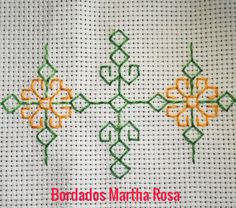 Kasuti Embroidery, Swedish Embroidery, Hand Embroidery Design Patterns, Crochet Bedspread, Cross Stitch Bookmarks, Crafty Projects, Cross Stitch Designs, Needlework, Embroidered Towels